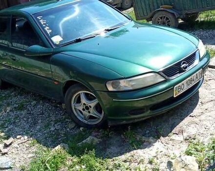 Зеленый Опель Вектра Б, объемом двигателя 1.8 л и пробегом 350 тыс. км за 3100 $, фото 1 на Automoto.ua