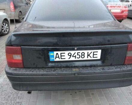 Черный Опель Вектра А, объемом двигателя 2 л и пробегом 300 тыс. км за 2500 $, фото 1 на Automoto.ua