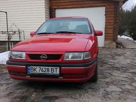 Красный Опель Вектра А, объемом двигателя 1.6 л и пробегом 330 тыс. км за 2400 $, фото 1 на Automoto.ua