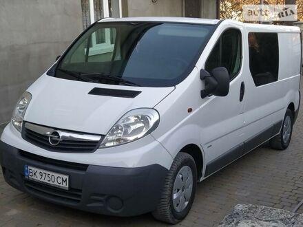 Білий Опель Vivaro груз.-пасс., об'ємом двигуна 2 л та пробігом 224 тис. км за 11200 $, фото 1 на Automoto.ua