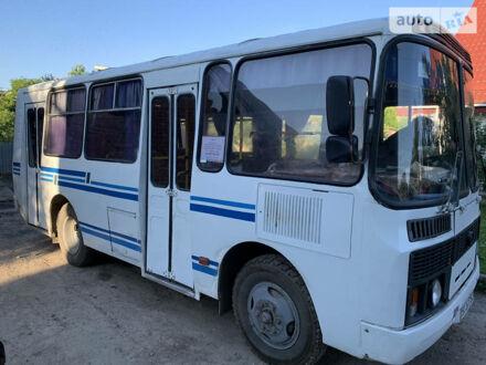 Белый ПАЗ 3205, объемом двигателя 4 л и пробегом 250 тыс. км за 3250 $, фото 1 на Automoto.ua