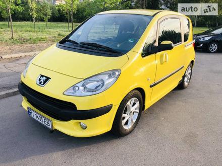 Жовтий Пежо 1007, об'ємом двигуна 1.4 л та пробігом 128 тис. км за 5000 $, фото 1 на Automoto.ua