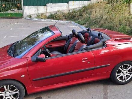 Красный Пежо 206 СС, объемом двигателя 2 л и пробегом 150 тыс. км за 4200 $, фото 1 на Automoto.ua