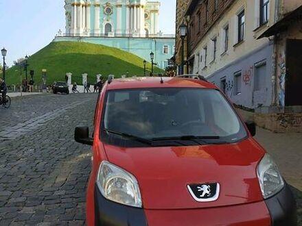 Красный Пежо Биппер пасс., объемом двигателя 1.4 л и пробегом 215 тыс. км за 5199 $, фото 1 на Automoto.ua