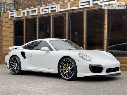 Белый Порше 911, объемом двигателя 3.7 л и пробегом 37 тыс. км за 149900 $, фото 1 на Automoto.ua