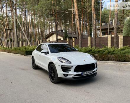 Белый Порше Масан, объемом двигателя 3 л и пробегом 39 тыс. км за 52000 $, фото 1 на Automoto.ua