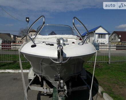 Белый Квиксильвер Коммандер, объемом двигателя 1.7 л и пробегом 18 тыс. км за 18800 $, фото 1 на Automoto.ua