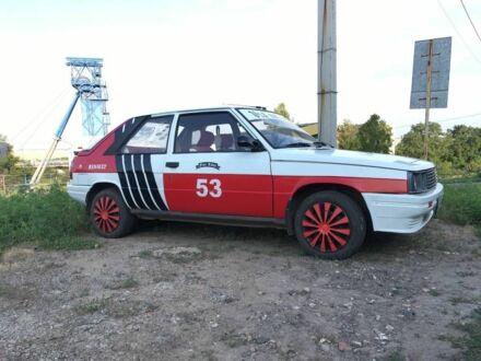Білий Рено 11, об'ємом двигуна 1.4 л та пробігом 268 тис. км за 989 $, фото 1 на Automoto.ua