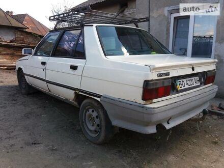Белый Рено 9, объемом двигателя 1.7 л и пробегом 420 тыс. км за 850 $, фото 1 на Automoto.ua