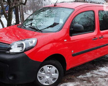 Красный Рено Кенгу пасс., объемом двигателя 0 л и пробегом 35 тыс. км за 10600 $, фото 1 на Automoto.ua