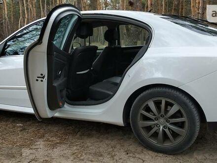 Белый Рено Лагуна, объемом двигателя 1.5 л и пробегом 170 тыс. км за 9100 $, фото 1 на Automoto.ua