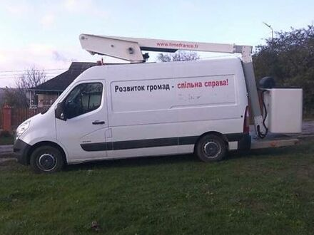 Белый Рено Мастер груз., объемом двигателя 2.3 л и пробегом 170 тыс. км за 30000 $, фото 1 на Automoto.ua