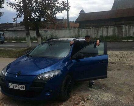 Синий Рено Меган, объемом двигателя 1.5 л и пробегом 205 тыс. км за 8000 $, фото 1 на Automoto.ua