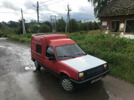 Червоний Рено Рапід, об'ємом двигуна 1.4 л та пробігом 1 тис. км за 849 $, фото 1 на Automoto.ua