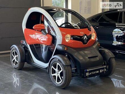 Красный Рено Твизи, объемом двигателя 0 л и пробегом 2 тыс. км за 5700 $, фото 1 на Automoto.ua