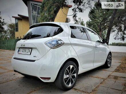 Белый Рено Зое, объемом двигателя 0 л и пробегом 95 тыс. км за 15800 $, фото 1 на Automoto.ua