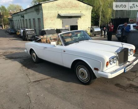 Белый Ролс Ройс Корнич, объемом двигателя 6.75 л и пробегом 60 тыс. км за 69000 $, фото 1 на Automoto.ua