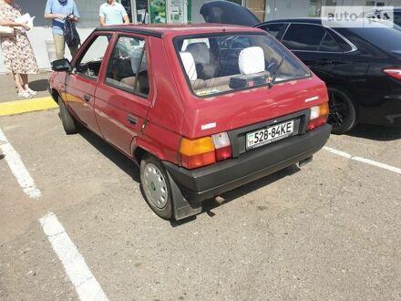 Красный Шкода Фаворит, объемом двигателя 1.3 л и пробегом 135 тыс. км за 1800 $, фото 1 на Automoto.ua