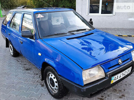 Синий Шкода Форман, объемом двигателя 1.3 л и пробегом 237 тыс. км за 1400 $, фото 1 на Automoto.ua