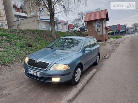Синий Шкода Октавия, объемом двигателя 1.6 л и пробегом 228 тыс. км за 7400 $, фото 1 на Automoto.ua
