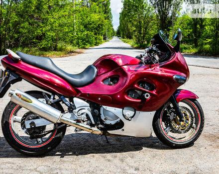 Красный Сузуки ГСХ, объемом двигателя 0.75 л и пробегом 48 тыс. км за 3299 $, фото 1 на Automoto.ua