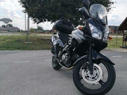 Черный Сузуки V-Strom 650, объемом двигателя 0.65 л и пробегом 1 тыс. км за 5400 $, фото 1 на Automoto.ua