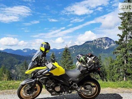 Желтый Сузуки V-Strom 650, объемом двигателя 0.65 л и пробегом 10 тыс. км за 10500 $, фото 1 на Automoto.ua