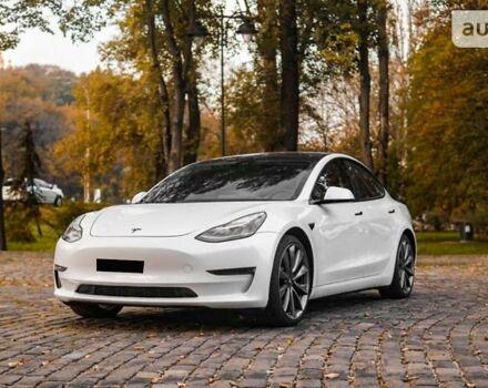Белый Тесла Модель 3, объемом двигателя 0 л и пробегом 5 тыс. км за 56000 $, фото 1 на Automoto.ua