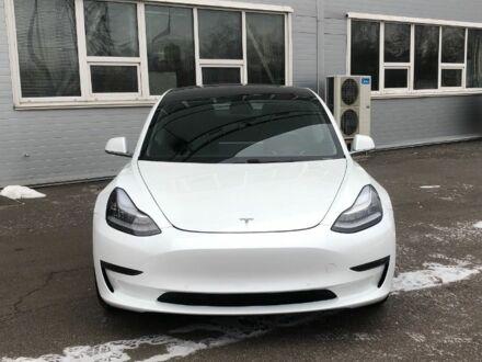 Белый Тесла Модель 3, объемом двигателя 1 л и пробегом 19 тыс. км за 40000 $, фото 1 на Automoto.ua