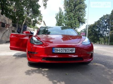 Красный Тесла Модель 3, объемом двигателя 0 л и пробегом 63 тыс. км за 30000 $, фото 1 на Automoto.ua