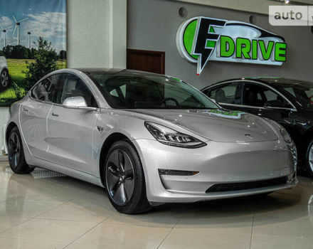 Серый Тесла Модель 3, объемом двигателя 0 л и пробегом 20 тыс. км за 41000 $, фото 1 на Automoto.ua