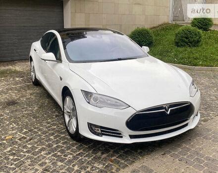 Белый Тесла Модель С, объемом двигателя 0 л и пробегом 110 тыс. км за 33600 $, фото 1 на Automoto.ua