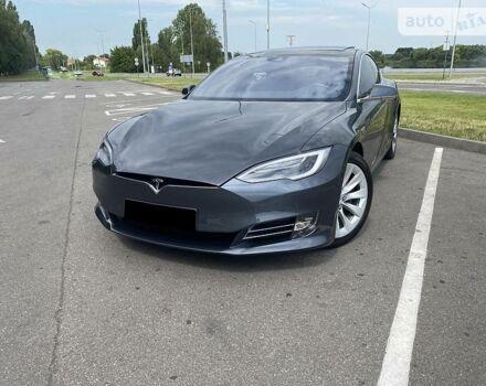Серый Тесла Модель С, объемом двигателя 0 л и пробегом 18 тыс. км за 53500 $, фото 1 на Automoto.ua