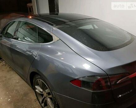 Серый Тесла Модель С, объемом двигателя 8.5 л и пробегом 66 тыс. км за 40800 $, фото 1 на Automoto.ua