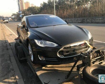 Черный Тесла Модель С, объемом двигателя 0 л и пробегом 8 тыс. км за 35000 $, фото 1 на Automoto.ua