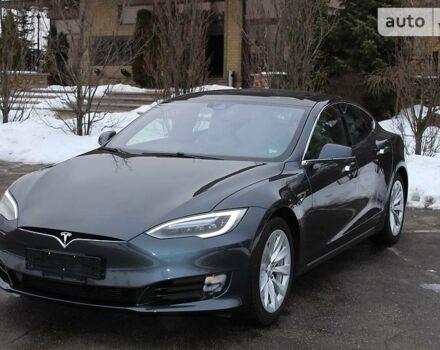 Серый Тесла Модель С, объемом двигателя 0 л и пробегом 1 тыс. км за 63900 $, фото 1 на Automoto.ua