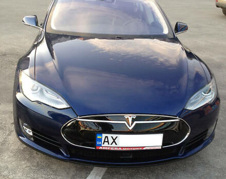 Синій Тесла Модель С, об'ємом двигуна 0.32 л та пробігом 18 тис. км за 69000 $, фото 1 на Automoto.ua
