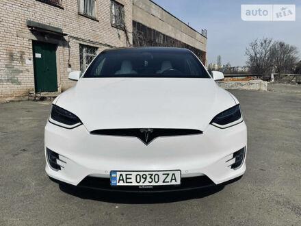 Белый Тесла Модель Х, объемом двигателя 0 л и пробегом 48 тыс. км за 48800 $, фото 1 на Automoto.ua