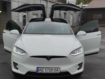 Белый Тесла Модель Х, объемом двигателя 0 л и пробегом 11 тыс. км за 59999 $, фото 1 на Automoto.ua