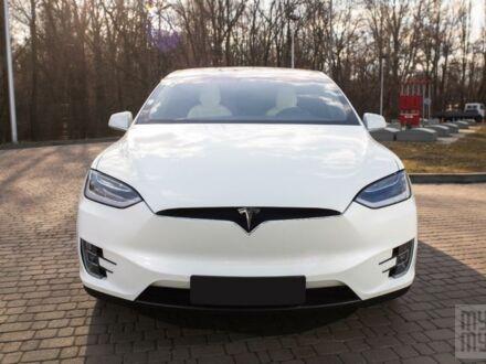 Белый Тесла Модель Х, объемом двигателя 0 л и пробегом 37 тыс. км за 85000 $, фото 1 на Automoto.ua