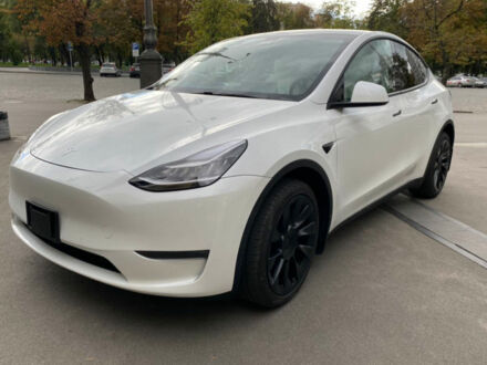 Білий Тесла Model Y, об'ємом двигуна 0 л та пробігом 10 тис. км за 64900 $, фото 1 на Automoto.ua