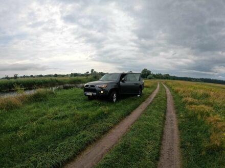 Серый Тойота 4Раннер, объемом двигателя 4 л и пробегом 78 тыс. км за 34500 $, фото 1 на Automoto.ua