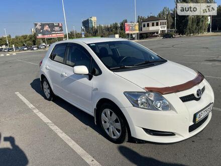 Белый Тойота Аурис, объемом двигателя 1.6 л и пробегом 105 тыс. км за 7900 $, фото 1 на Automoto.ua
