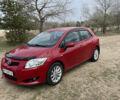 Красный Тойота Аурис, объемом двигателя 1.6 л и пробегом 126 тыс. км за 8200 $, фото 1 на Automoto.ua