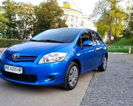 Синій Тойота Ауріс, об'ємом двигуна 1.6 л та пробігом 137 тис. км за 9900 $, фото 1 на Automoto.ua