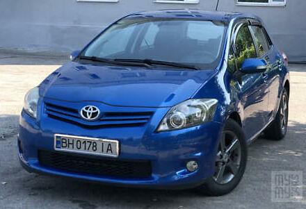 Синий Тойота Аурис, объемом двигателя 1.6 л и пробегом 120 тыс. км за 9000 $, фото 1 на Automoto.ua