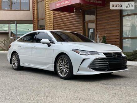Белый Тойота Авалон, объемом двигателя 3.5 л и пробегом 25 тыс. км за 37500 $, фото 1 на Automoto.ua