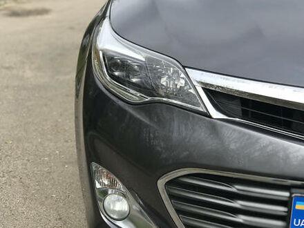 Серый Тойота Авалон, объемом двигателя 2.5 л и пробегом 177 тыс. км за 17900 $, фото 1 на Automoto.ua
