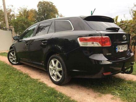 Черный Тойота Авенсис, объемом двигателя 2.2 л и пробегом 274 тыс. км за 10600 $, фото 1 на Automoto.ua