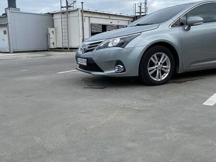 Серый Тойота Авенсис, объемом двигателя 1.8 л и пробегом 220 тыс. км за 12400 $, фото 1 на Automoto.ua